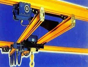 悬挂轨道起吊机